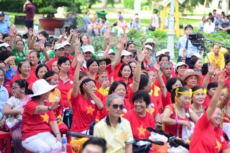 20.000 phụ nữ 40+ lập kỷ lục Guinness Việt Nam