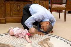 Những bức ảnh thân thiện với trẻ con của Tổng thống Obama