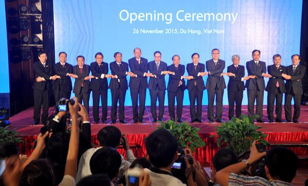 công nghệ thông tin, quyền tiếp cận thông tin, Phó Thủ tướng Nguyễn Xuân Phúc, Hội nghị Bộ trưởng Viễn thông và Công nghệ thông tin ASEAN, TELMIN 15, Bộ trưởng Nguyễn Bắc Son,