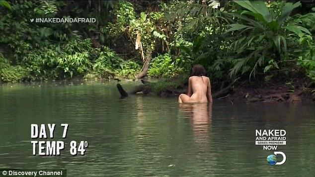 Sốc trước hình ảnh nam nữ khỏa thân trên truyền hình