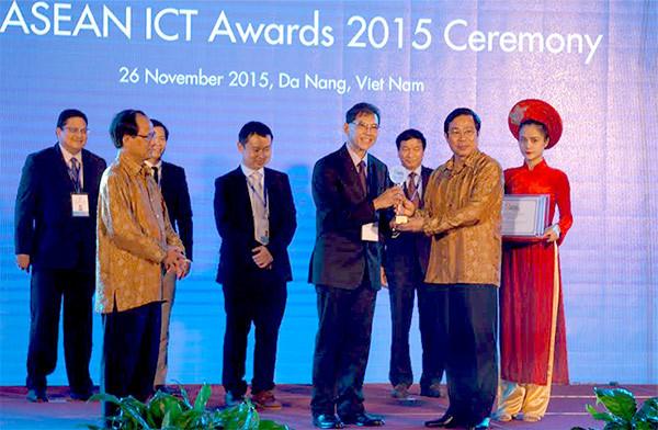 Trao giải thưởng CNTT-Truyền thông ASEAN 2015