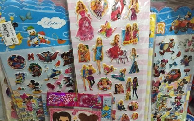 Miếng dán đồ chơi độc hại từ Trung Quốc tràn thị trường