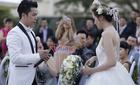 Hoa hậu Diễm Hương khóc, cười trong đám cưới