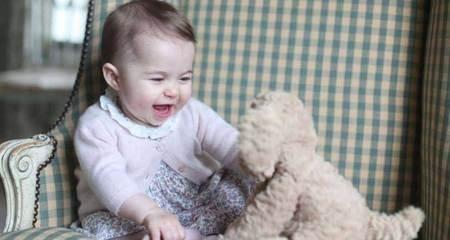 'Đốn tim' với nụ cười của tiểu công chúa nước Anh