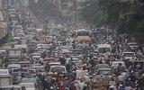 Xin hơn 2.000 tỉ để giảm tắc: Hà Nội toàn làm ngược