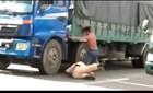 Xuất hiện clip CSGT và tài xế xô xát trên xa lộ