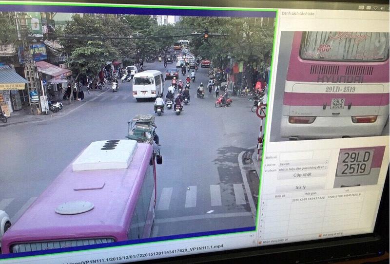 400 camera, gây tai nạn chạy đâu cho thoát