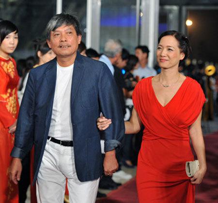 Chồng Lê Khanh: 'Phú Quang chắc thích vợ tôi'