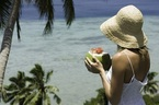 Mách nhau tránh thai bằng nước dừa