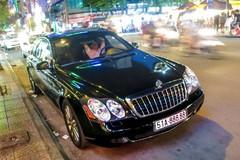 Xe siêu sang Maybach 57S biển ngũ quý ở Sài Gòn