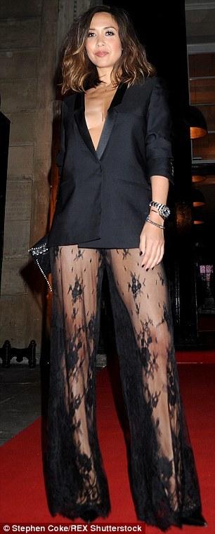 Myleene Klass, Mc nổi tiếng mặc vest không quần