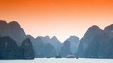Vịnh Hạ Long, một trong những điểm đến đẹp nhất thế giới