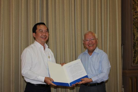 Ông Trần Thế Thuận làm Chủ tịch quận 1