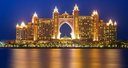 9 cách ném tiền qua cửa sổ ở Dubai