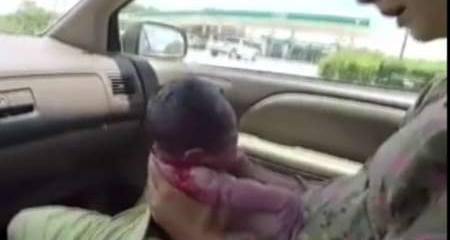 Clip: Đẻ con ngay trên ô tô khiến dân mạng khâm phục