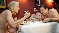 Nhà hàng khỏa thân khiến thực khách nuốt khó trôi