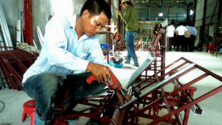 Nông dân Thái Bình chế máy cấy: Không đăng ký nổi bảo hộ