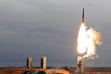 Xem sức mạnh bạt vía của tổ hợp tên lửa S-400