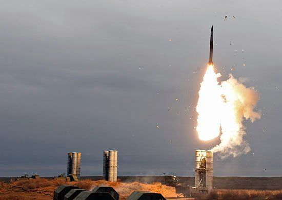 S-400, siêu tổ hợp, tên lửa, phòng không, vũ khí, Nga, uy thế, uy lực, sức mạnh, kinh hồn, bạt vía