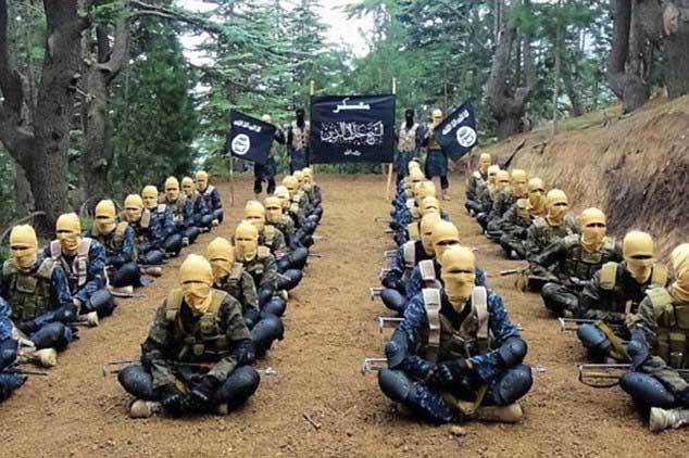 IS, Mỹ, Taliban, Afghanistan, trại huấn luyện, trùm mặt, lãnh thổ, rút quân, đánh bại, Twitter