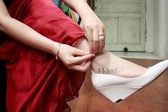 Vợ Chí Nhân khoe hình xăm mới ở chỗ lẽ ra đeo nhẫn cưới