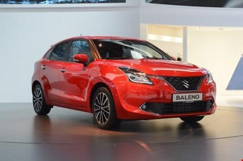 1.000 người xếp hàng mua ôtô Suzuki 180 triệu