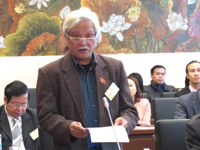 tổng tuyển cử đầu tiên, chất vấn Chủ tịch Hồ Chí Minh, dân chủ, Dương Trung Quốc, Võ Nguyên Giáp, Trần Huy Liệu, trả lời chất vấn uyên bác, dàn bộ trưởng