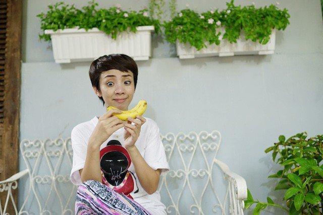 Hậu trường không nhịn được cười của 'Bà nội' Miu Lê