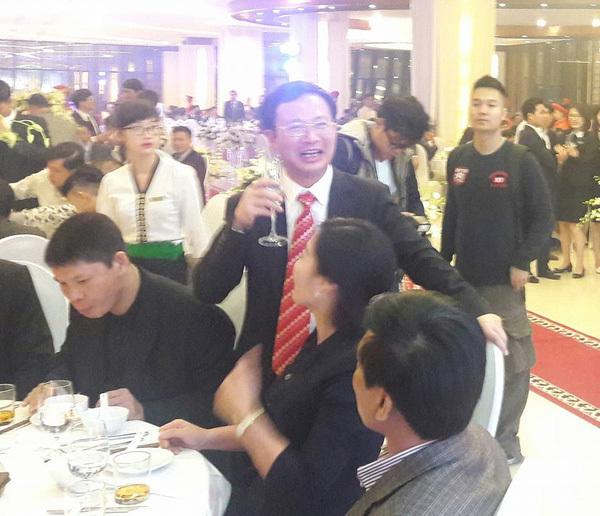 Chân dung ông bố đại gia của đám cưới xôn xao Quảng Ninh