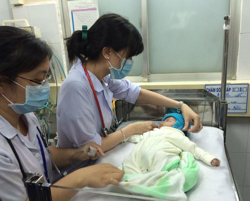 Hành trình tìm sự sống của bé sơ sinh bị ném xuống giếng
