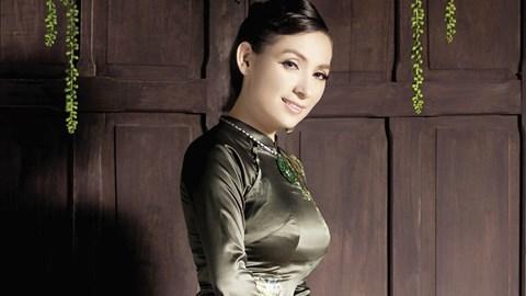 Ngọc Quyên bán quần áo sale, Huy MC bán xôi trên đất Mỹ