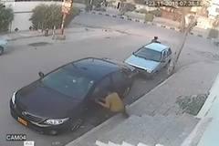 Bị đánh tơi bời giữa phố vì vặt gương ôtô