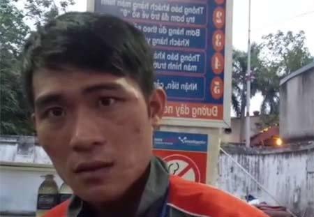 Clip khách lật tẩy nhân viên cây xăng ở Hà Nội ăn cắp tiền