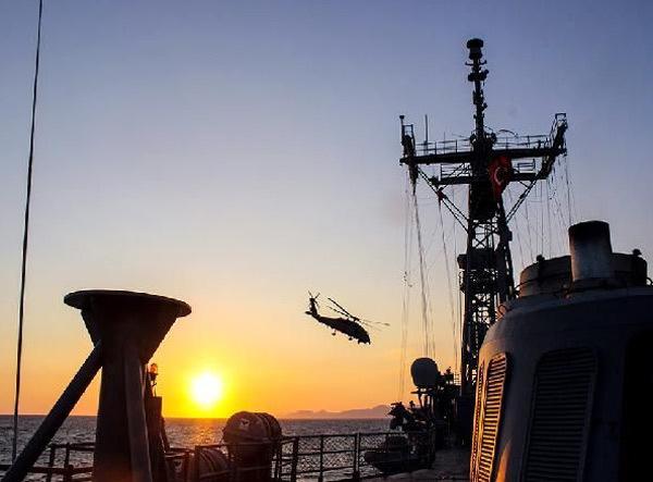 Cận cảnh nơi 'bắt dính' tàu chiến các siêu cường