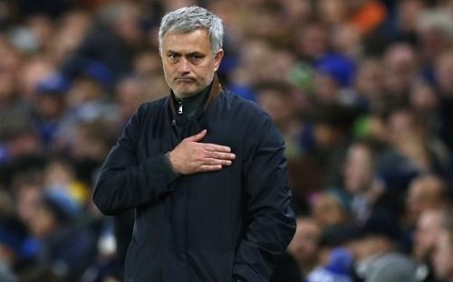 Mourinho hát 'ước gì' sau khi đả bại Porto