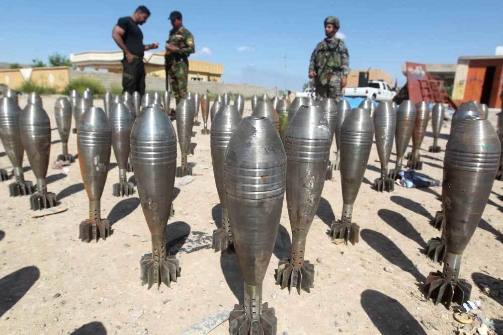 IS khoe hàng loạt vũ khí khủng