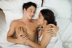 """12 thứ mọi phụ nữ cần biết về đàn ông và """"chuyện ấy"""""""
