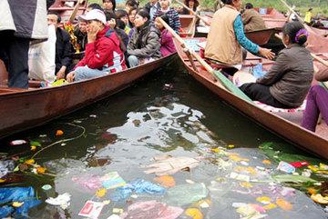 Nhục nhã vì thói hư tật xấu của khách Việt ở xứ văn minh