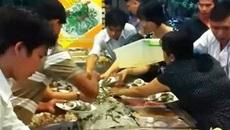 Đừng chê du khách Việt 'bẩn thỉu' để chứng tỏ mình văn minh
