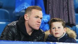 """Đại gia TQ quăng """"bom tiền"""" lôi kéo Rooney"""