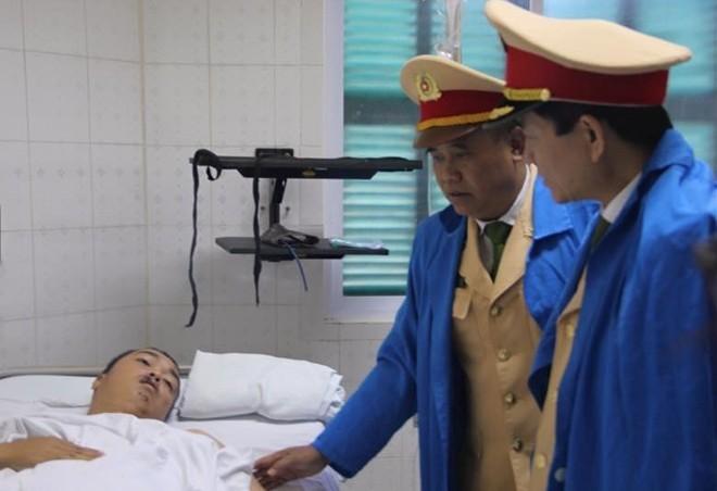 Thiếu tướng Sơn Hà: 'Đề nghị trang bị vũ khí cho CSGT'