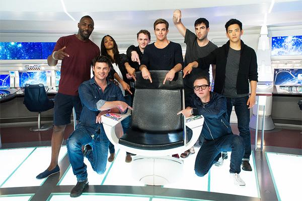 Bom tấn 'Star Trek Beyond' gây choáng vì kỹ xảo, hành động