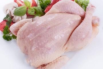 Nên hay không rửa thịt gà trước khi chế biến?