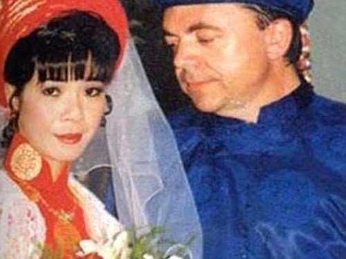 Chuyện tình lãng mạn của ca sĩ Ánh Tuyết và chồng Tây