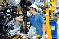 Ôtô biến động: Thị trường bất an, DN dè chừng