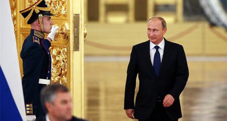 Giải mã điệu đi khác người của Putin