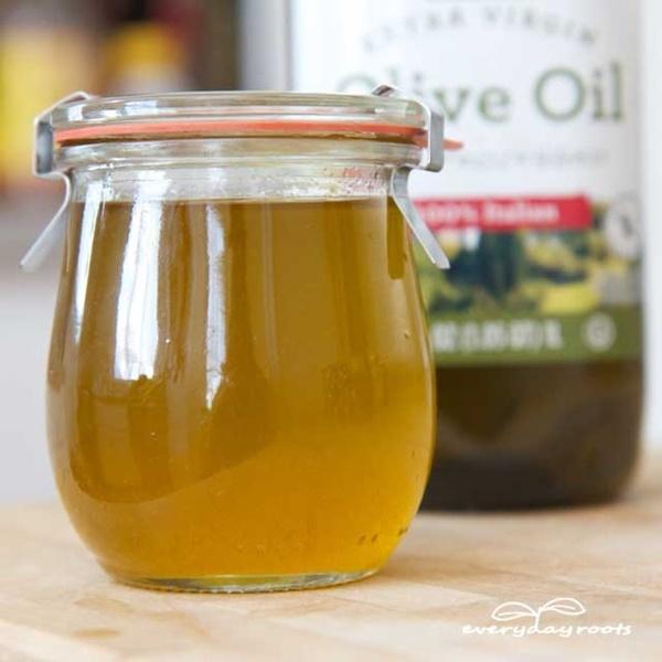 4 công thức dưỡng tóc khô, hư tổn với mật ong