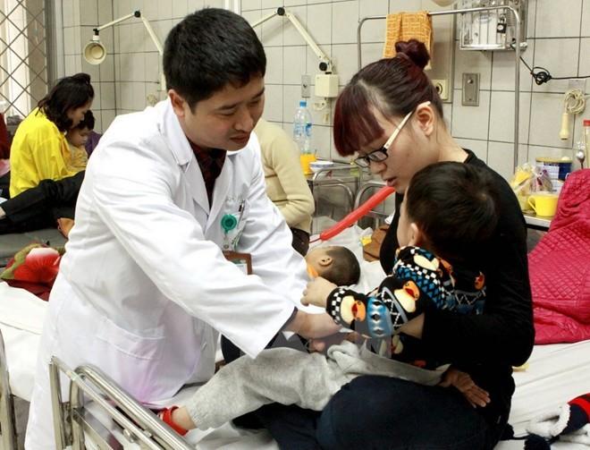 Sai lầm của bố mẹ ngày rét đậm khiến trẻ nhập viện