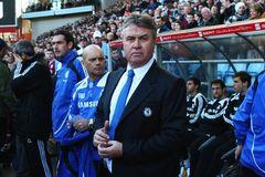 Hiddink làm HLV tạm quyền Chelsea đến hết mùa