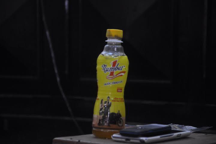 Vụ Number 1 Tân Hiệp Phát: Ai bỏ con ruồi vào chai nước?